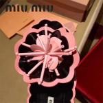 Miu Miu鞋子-001-3 繆繆網紅同款泳裝系列進口牛漆皮花朵平底夾趾拖鞋