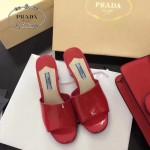 PRADA鞋子-004-2 普拉達春夏季新款進口牛漆皮鞋面後跟花朵粗跟露趾拖鞋