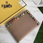 FENDI 0365-3 人氣熱銷裸色原版小牛皮彩色亞克力鉚釘大小號拉鏈手拿包