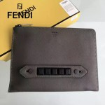 FENDI 0225 時尚商務鉚釘設計灰色原版荔枝紋皮手工縫線休閒手拿包
