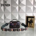FENDI 1765B 春季最新MICRO BAGUETTE雙色原版皮搭配有機玻璃鉚釘手提單肩包