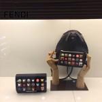 FENDI 3223S 夏季新品黑色原版南非小牛皮搭配金屬鉚釘休閒雙肩包書包