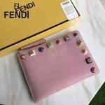 FENDI 0365-2 人氣熱銷粉色原版小牛皮彩色亞克力鉚釘大小號拉鏈手拿包