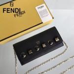 FENDI 0251-5 春夏新款黑色原版牛皮有機玻璃鉚釘多功能斜挎包