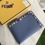 FENDI 0365 人氣熱銷藍色原版小牛皮彩色亞克力鉚釘大小號拉鏈手拿包