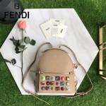 FENDI 3223S-3 夏季新品杏色原版南非小牛皮搭配金屬鉚釘休閒雙肩包書包