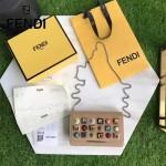 FENDI 3346-4 夏季新款淺咖色原版小牛皮搭配彩色亞克力鉚釘單肩斜挎包晚宴包