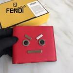 FENDI 0193SL9 專櫃新品無語表情金屬貼片紅色原版小牛皮短款錢包