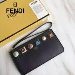 FENDI 1512 人氣熱銷黑色原版牛皮彩色亞克力裝飾拉鏈手拿包