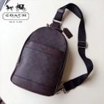 COACH-72043-2 pvc配皮款休閒時尚背面採用尼龍材質男士胸包