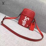 LV M41805-4 時尚新款LV+Supreme合作款紅色水波紋原版皮小號單肩斜挎包