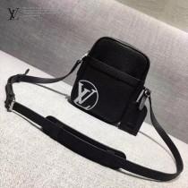 LV M41804-2 時尚新款LV+Supreme合作款黑色原版皮中號單肩斜挎包