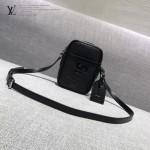 LV M41805 時尚新款LV+Supreme合作款黑色水波紋原版皮小號單肩斜挎包