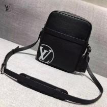 LV M41803 時尚新款LV+Supreme合作款黑色原版皮大號單肩斜挎包