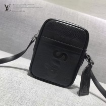 LV M41804 時尚新款LV+Supreme合作款黑色水波紋原版皮中號單肩斜挎包
