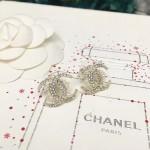 CHANEL 飾品-018-4 香奈兒復古月牙系列新款雙C帶珍珠耳釘