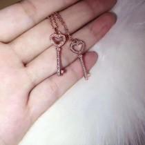 Tiffany飾品-018-2 蒂芙尼新品925純銀鍍金材質鑲嵌八心八箭鑽石鑰匙吊墜項鏈