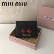 MIUMIU 5MV204-2 里外進口平紋牛皮內壓197A內設4卡位蝴蝶結款口袋小錢夾
