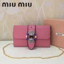 MIUMIU 5BF041 進口原版山羊紋金屬配件手工鑲嵌與搭扣之上的艷麗施華洛世奇寶石磁釦開合翻蓋斜挎包