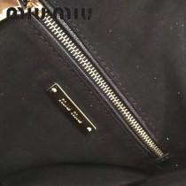 MIUMIU 5BZ013-3 頂級進口馬德拉斯山羊皮頂級拉絲五金製作皮革新款背包