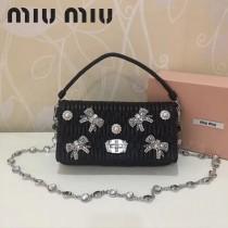 MIUMIU 5BD417-3 頂級進口細膩綿羊皮甜美鑲鑽蝴蝶結珍珠配飾蝴蝶珍珠款手提單肩斜挎包