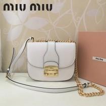 MIUMIU 5BD025-3 原版頂級進口牛皮山羊紋帶miumiu標誌性鎖扣金屬配件翻蓋扣合單肩斜挎包