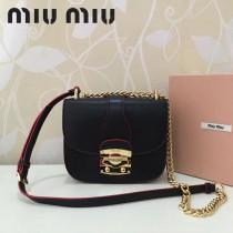 MIUMIU 5BD025-6 原版頂級進口牛皮山羊紋帶miumiu標誌性鎖扣金屬配件翻蓋扣合單肩斜挎包