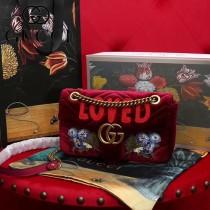 GUCCI 443497-019 秋冬新品Marmont系列酒紅色刺繡天鵝絨中號斜挎包