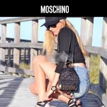 Moschino-063 精緻小巧可愛金色鉚釘縫菱格迷你雙肩書包