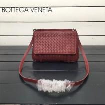 BV 168060-7 簡約休閒棗紅色編織羊皮雙面隔層單肩斜挎包