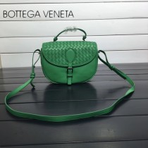 BV 357178-8 休閒新品綠色純手工編織羊皮手提單肩斜挎包