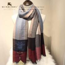 Burberry特價圍巾-001-4 巴寶莉紀念伊麗莎白女王二士勛章特備款圍巾