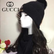 GUCCI帽子-3 古馳2017秋冬最新款狐狸毛球氣質款毛線帽加圍巾