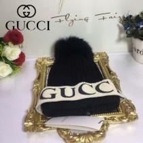 GUCCI帽子-10-3 秋冬最新款專櫃時尚大牌狐狸毛毛球秋冬必備毛線帽