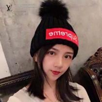 LV帽子-1-2 supreme合作款刺繡針織超大狐狸毛球毛線帽