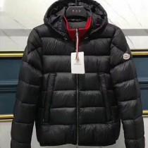 Moncler衣服-032 蒙口時尚元素款保暖男士連帽羽絨服外套
