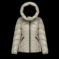 Moncler衣服-033-2 蒙口專櫃同步新款AKEBIA保暖羽絨外套