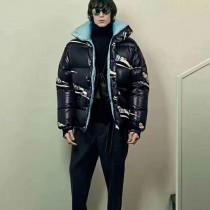 Moncler衣服-022 蒙口冬季爆款保暖聚熱滑雪塗鴉女士中長羽絨衣