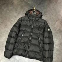 Moncler衣服-035 蒙口冬季經典麵包款保暖羽絨服外套