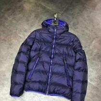 Moncler衣服-035-2 蒙口冬季經典麵包款保暖羽絨服外套