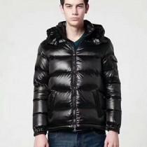 Moncler衣服-037 蒙口人氣經典保暖瑪雅款亮面黑/啞光黑羽絨服外套