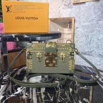 LV M94219-5 時裝走款秀PETITE MALL原單金色刺繡加珠片設計盒子包