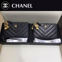 CHANEL 01162 專櫃最新原版球紋小牛皮V紋裝飾吊墜零錢包卡包