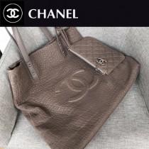 CHANEL 92981 香奈兒時尚新款鹿紋皮粗顆粒粗車線logo休閒桶包搭配時尚小零錢包