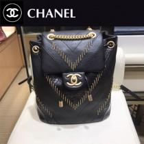 CHANEL 8067-1 香奈兒Chanel backpack系列時尚v紋金屬穿鏈造型3皮拼接抽繩設計底部特色大雙C雙肩包