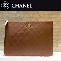 CHANEL 01181-2 時尚新款原單黑色菱格羊皮琺瑯扣拉鏈手拿包