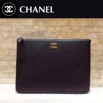 CHANEL 01181 時尚新款原單黑色菱格羊皮琺瑯扣拉鏈手拿包
