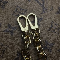 LV-M43589 路易威登新款時尚原單SQUARE手袋本季造型必備配飾金色鏈條包