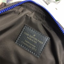 LV-M43828 路易威登新款時尚原單BUMBAG胸包2018春夏時裝展展示的全新運動風胸包