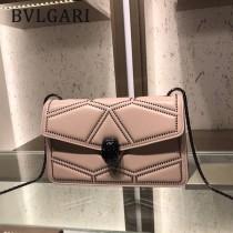 Bvlgari原單-38102-01 寶格麗原單時尚新款融合了古典與現代特色肩背斜背包